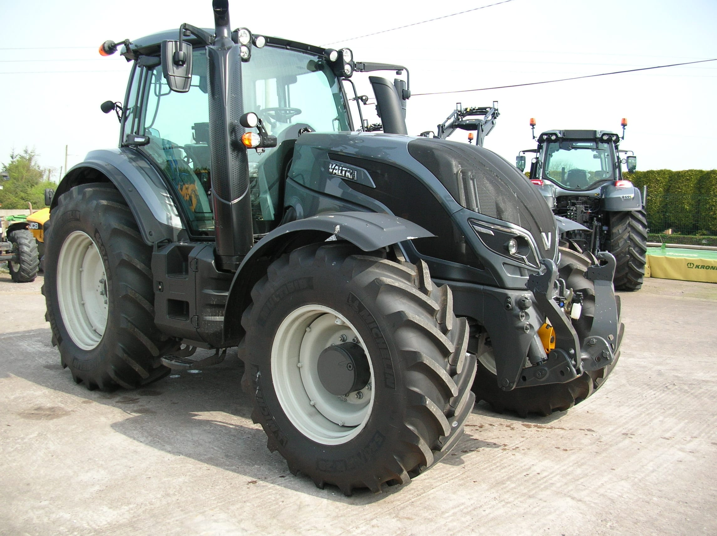 Quality Used Tractors for sale Cork Ireland | Valtra | New Holland on